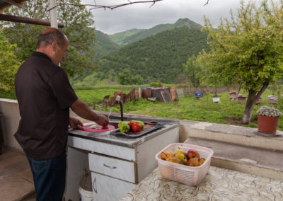 roma-azaryan-washing-fruits-and-vegetables_